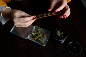 Healthiest Way to Smoke Weed: A Must-Read